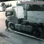 Violento asalto con mazas a un camionero con camión repleto de móviles