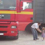 Camionero: Por culpa de mi profesión he perdido la infancia de mis hijos