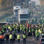 El senado francés propone cancelar el impuesto a los carburantes, tras la presión de los chalecos amarillos