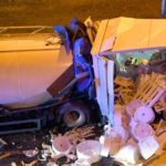Un camionero muere y cuatro heridos tras colisionar tres camiones en la retención causada por «chalecos amarillos» en la A-8
