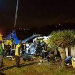 Un camionero grave tras la amputación de un brazo al quedar atrapado más de seis horas al volcar su vehículo