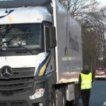 Un camionero ebrio, provoca un accidente cuando adelantaba a otro camión, después de 20 kilómetros de intentos