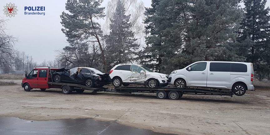 La policía encuentra una Ford Tansit con una importante sobrecarga