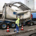 Un camión cisterna implota en la E-40 belga: el conductor no sabía lo que ocurría