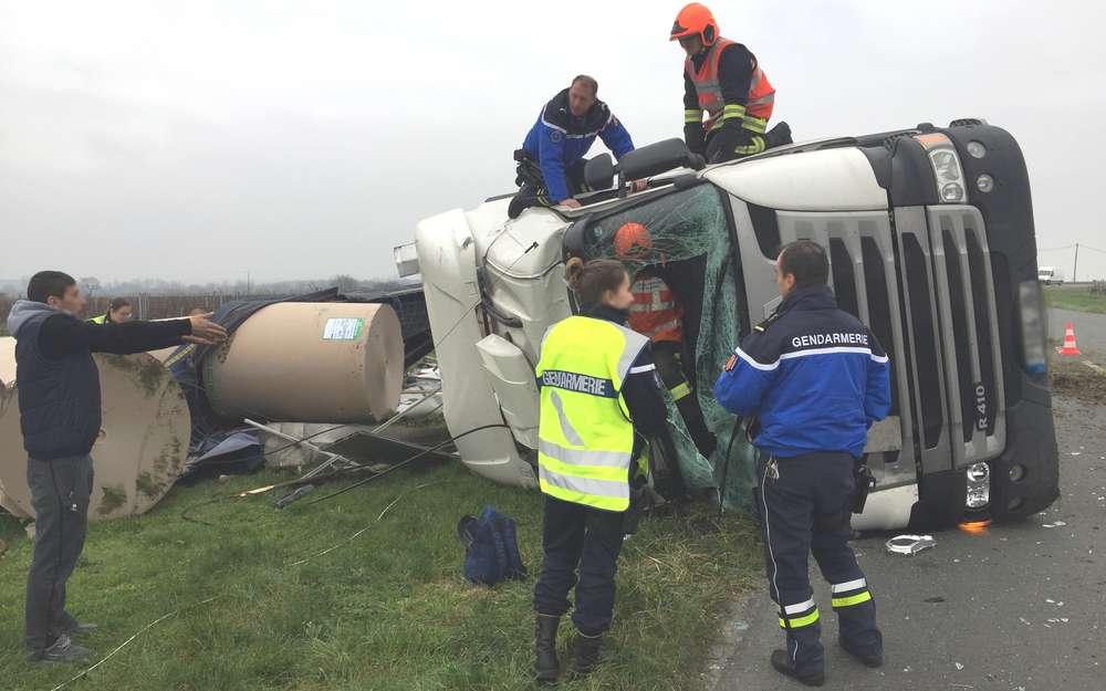 Un conductor de camión de 21 años ebrio, con 2,14 g, se estrella con un camión español en Francia