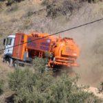 Así es el camión aspirador que intenta abrir el pozo en Totalán