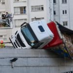 El vuelco de un camión en San Cristóbal provoca retenciones en O Birloque