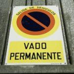 Fuera dudas: ¿puedo aparcar en mi propio vado?