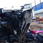 Un camionero fallecido al volcar dos camiones por el viento en la Font de la Figuera