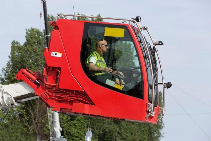 Cabine Mystère 1 liebherr mobile crane ltc1050 3.1 heros cabin2 300dpi