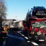 Un camionero español herido, tras colisionar deslumbrado con otro camión en la A-64 – Francia