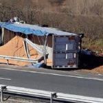Cuatro heridos tras chocar un camión contra una furgoneta de mantenimiento de carreteras en la AP-66