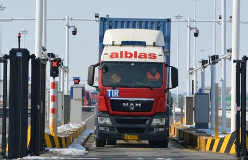 Primer camión TIR de Europa a China tardó 12 días y 7.400 km