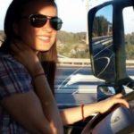 """La historia de una bella camionera: """"Terminé la facultad, se cuatro idiomas, pero elegí conducir camiones"""""""
