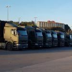 «Si nosotros caemos malos conducirán los militares»: así viven la crisis  los camioneros