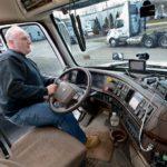 Amigos… yo me retiro pronto y aquí os quedáis, el camionero sólo es un tornillo del camión