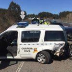 Un BMW se empotra contra un vehículo oficial de la Guardia Civil tras pasar un control en la A-6