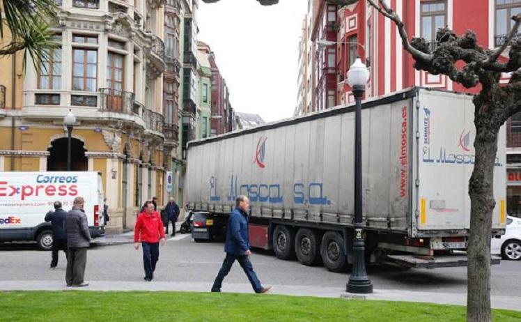 camion plazuela san miguel2 U4023511224cD U70909520508cTC 624x385@El Comercio ElComercio 1
