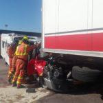 Impresionante impacto de una autocaravana conducida por un anciano de 78 años contra un camión en un peaje de la AP-7