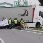 """""""Dame 100 euros, esto es Francia"""" Un camionero es asaltado a golpes por Chalecos amarillos"""
