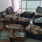 Detenidos tres camioneros involucrados en el transporte de migrantes, atraídos por maletas repletas de dinero