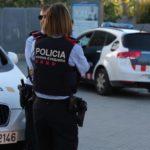Detenido por hacer tocamientos a una mossa d'Esquadra en plena calle