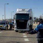 Ayuntamientos crean grupos de policías locales expertos en tacógrafo y estiba por seguridad