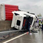 Un camionero herido de extrema gravedad al volcar el tráiler en la A1 (Austria)