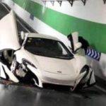 Cuando vas a por la compra con un McLaren a un centro comercial y te ocurre esto…