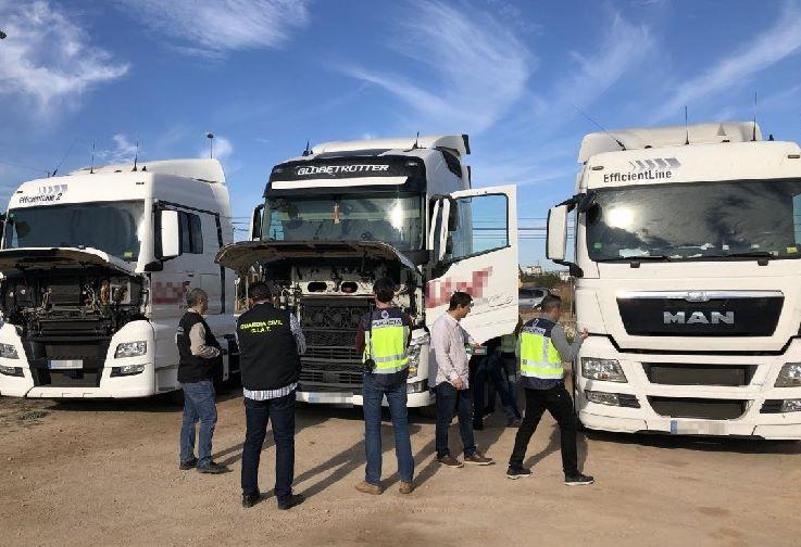 Desmantelan una red que manipulaba camiones en Castellón para evitar los descansos y poder emitir gases