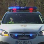 ¿Qué hay que hacer si la Guardia Civil enciende una luz roja detrás de tu coche?