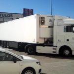 ¡¡Vaya fenómeno!! Cómo meter un camión articulado por donde parece imposible en una maniobra