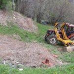 Fallece una niña de 3 años al volcar el tractor que conducía su padre en Cantabria