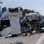 La brutal colisión de cuatro camiones, cierra por completo la A12 y deja un herido grave en Alemania
