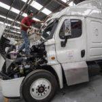 En México, camiones blindados para combatir los ataques en la carretera