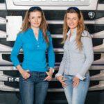 Dos camioneras gemelas, están superando rutas por Europa donde otros hombres fracasaron