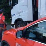 Inmovilizado un camión con más de 30 toneladas de carga tras dar positivo el conductor en cocaína y heroína en Sunbilla
