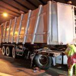 Fallece un camionero de 33 años, al colisionar contra las paredes del túnel de Prosecco