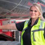 Mas de 7.000 empresas, quieren más mujeres camioneras al volante