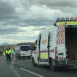 Fallece un camionero de 39 años tras ser atropellado por otro camión que colisionó  en la A-7