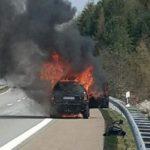 Buscan a un camionero que salvó de morir abrasados a dos mujeres y dos caballos en Alemania