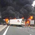 Seis heridos graves y tres camiones calcinados, tras colisionar en un atasco en la A3 Alemania