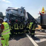 Infierno en la A4 se lleva la vida de un camionero tras colisionar cuatro vehículos pesados