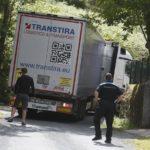 Un camionero extranjero queda atascado cerca del polígono de Viveiro