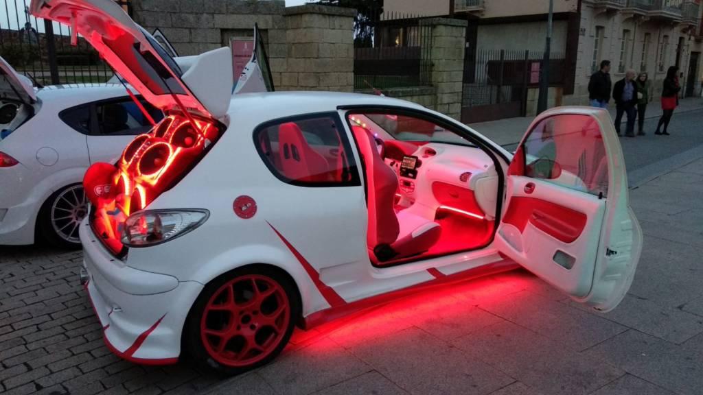 Llevar la música alta en el coche será sancionado con 100 euros