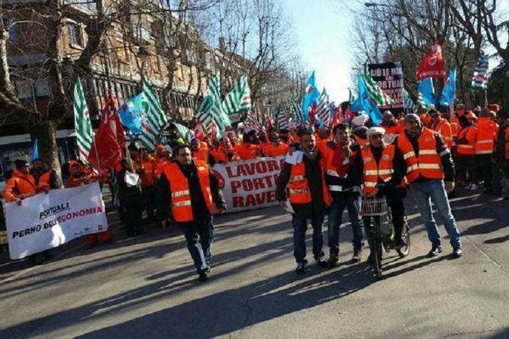 Sindicatos confederales anuncian una «Huelga de transporte y logística el 24 de julio en Italia».