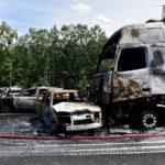 Detenido el conductor de un camión que no frenó, causando la muerte de una familia con 3 niños y otro hombre, en una retención
