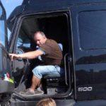 El camionero que murió abrasado en la AP7 tenía esposa e hijo y vivía en Murcia