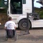 Rechazan la incapacidad laboral absoluta de un camionero porque sí conserva la movilidad de sus brazos