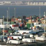 Muere aplastado por la cabina de su camión en el muelle de Cádiz